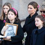 Die drei Schwestern musste zusammen mit ihrer Mutter Märtha Louise, der Familie und vielen Freunden ihren Vater Ari Behn am3. Januar 2020 zu Grabe tragen. Die schlimmste Art, um schlagartig groß zu werden.