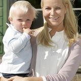 Prinzessin Mette-Marits und Prinz Haakons zweites gemeinsames Kind, Prinz Sverre Magnus, brachte die Herzen der royalen Fans ab dem 3. Dezember 2005 zum Schmelzen.