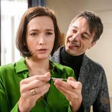 """""""Sturm der Liebe"""": Eva (Uta Kargel) verbirgt etwas vor Robert (Lorenzo Patané)."""