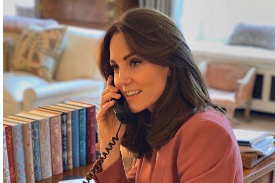 Herzogin Catherine hat ihre Bücherlieblinge fein säuberlich auf dem Schreibtisch in Anmer Hall arrangiert.