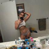 Ex-Teeniestar JoJo zeigt beim Unterwäsche-Selfie nicht nur ihrentrainierten Bauch, sondern auch ihr kleines Tattoo auf der Hüfte.