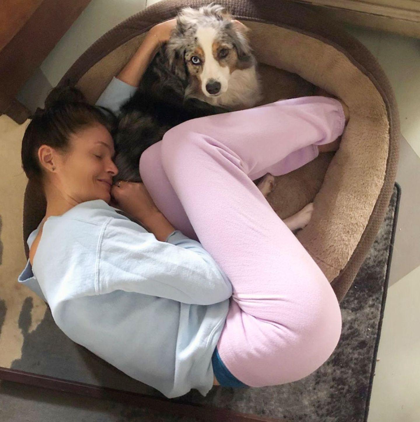 Hund machts mit Hund Elli
