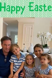 """11. April 2020  Mit diesem netten Familienportrait wünschen Prinzessin Madeleine und Christopher O'Neill zusammen mit ihren drei Kindern """"Frohe Ostern"""" via Instagram."""