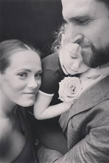 Kara Keough Bosworth, ihr Ehemann Kyle und die gemeinsame Tochter Decker Kate trauern um Baby McCoy.