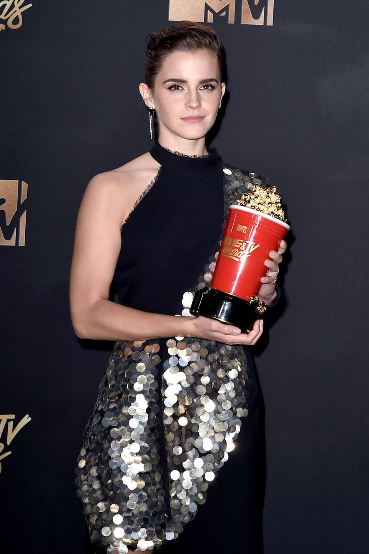 """Im Mai 2017 erhält Emmafür genau diese Rolle den Preis in der Kategorie """"Beste Schauspielerin"""" bei denMTV Movie und TV Awards in Los Angeles."""