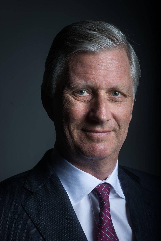 15. April 2020  König Philippe von Belgienfeiert heute seinen 60. Geburtstag. Zum Ehrentag hat der königliche Palast ein neues, formelles Portrait des Monarchen veröffentlicht.