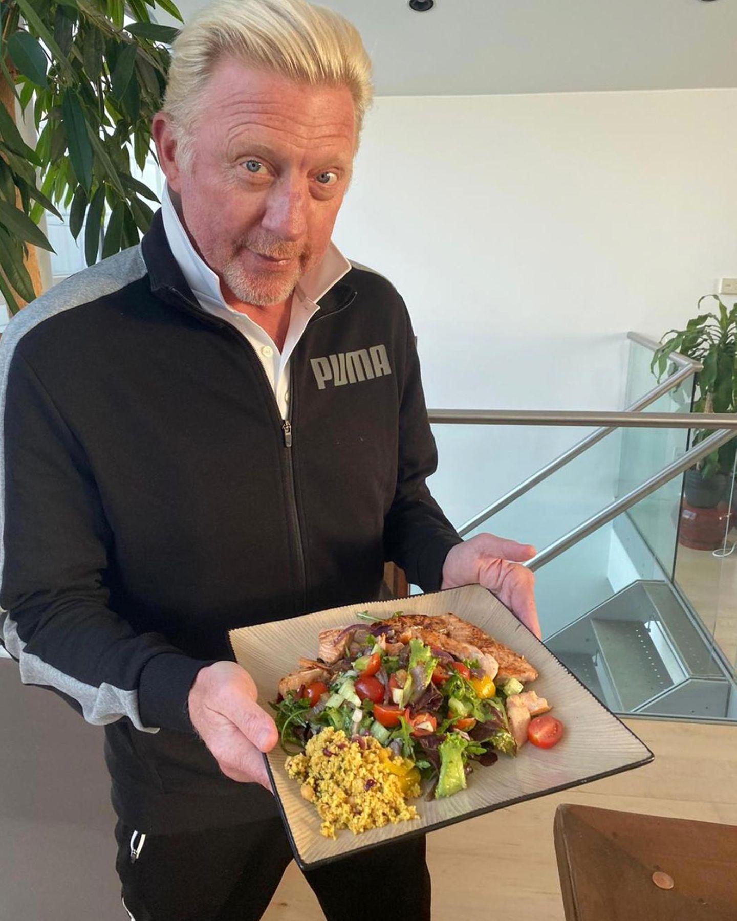 Lecker und gesund: Bei Boris Becker gibt es Lachs auf gemischtem Salat mit Quinoa.