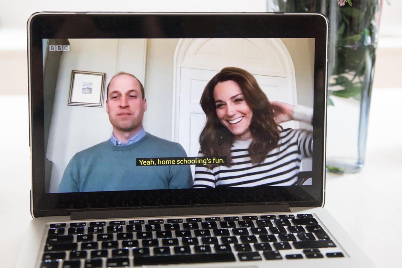 """Prinz William und Herzogin Catherine geben der BBC ein Interview - per Video-Chat, denn in Zeiten des Coronavirus heißt es """"Abstand halten""""."""