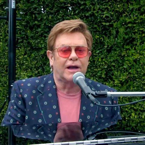 Weltstar Elton John will im Kampf gegen die Corona-Pandemie helfen. Auch er trittimdigitalen Livestream auf.