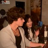 Shawn Mendes und Camila Cabello zeigen sich im Doppelpack und singen ein Duett.