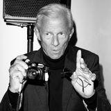 20. April 2020: Peter Beard ( 82 Jahre)  Nun gibt es traurige Gewissheit: Nachdem der Star-Fotograf, der Musikgrößen wie Mick Jagger und David Bowie vor der Linse hatte,wochenlang als vermisst galt, wurde nun seine Leiche in einem Naturpark auf Long Island entdeckt. Genauer Umstände seines Todes sind nicht bekannt, er soll an Demenz gelitten haben.