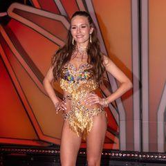 """Spätestens seitdem sie sich für den """"Playboy"""" ablichten ließ, ist Laura Müllers Wow-Body kein Geheimnis mehr. Die Verlobte von Michael Wendler wolle daher nicht abnehmen, aber die stundenlangen Tanz-Sessions mit Christian Polanc Tag für Tag fordern ihren Tribut."""