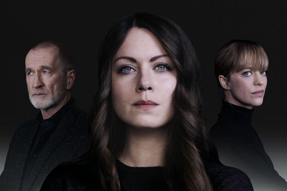 """Peter Lohmeyer, Alice Dwyer und Heike Makatsch (v.l.n.r.) sprechen die Hauptrollen im Audio-Blockbuster""""MAKEL""""."""