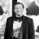 """20./21. April 2020:Dimitri Diatchenko (52 Jahre)  Trauer um den Hollywood-Schauspieler mit perfektem russischen Akzent:Martial-Arts-Profi Diatchenko spielte in Filmen wie """"Chernobyl Diaries"""", in Serien wie """"How I Met Your Mother"""" und Videospielen wie """"Tomb Raider"""". Wie jetzt bekannt wurde, fand man ihn schon am 22. April tot in seinem Haus in Daytona Beach, Florida. Die Todesursache ist noch nicht bekannt."""