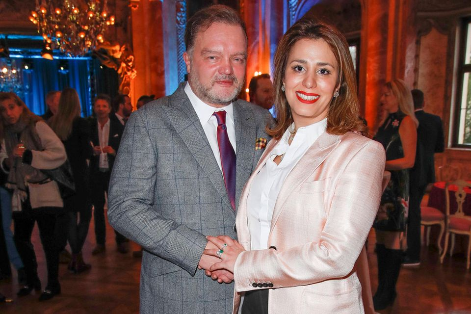 Alexander Fürst zu Schaumburg-Lippe undMahkameh Navab verschieben ihre Hochzeit wegen COVID-19.