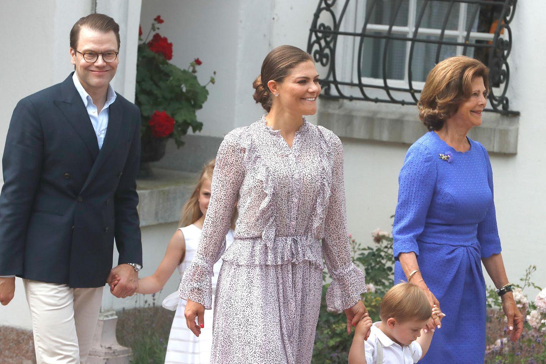 Kronpinzessin Victoria, Prinz Daniel, Prinzessin Estelle, Prinz Oscar und Königin Silvia