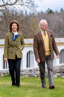 An der Seite des Geburtstagskindesist, wie in den letzten fast 44 Ehejahren, seine Liebste Königin Silvia.