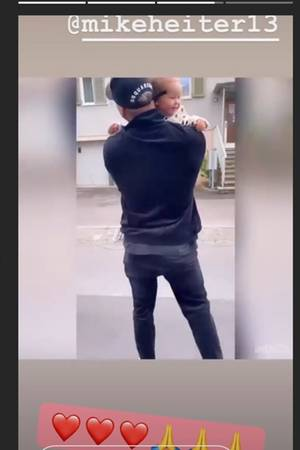 Mike Heiter knuddelt Tochter Aylen