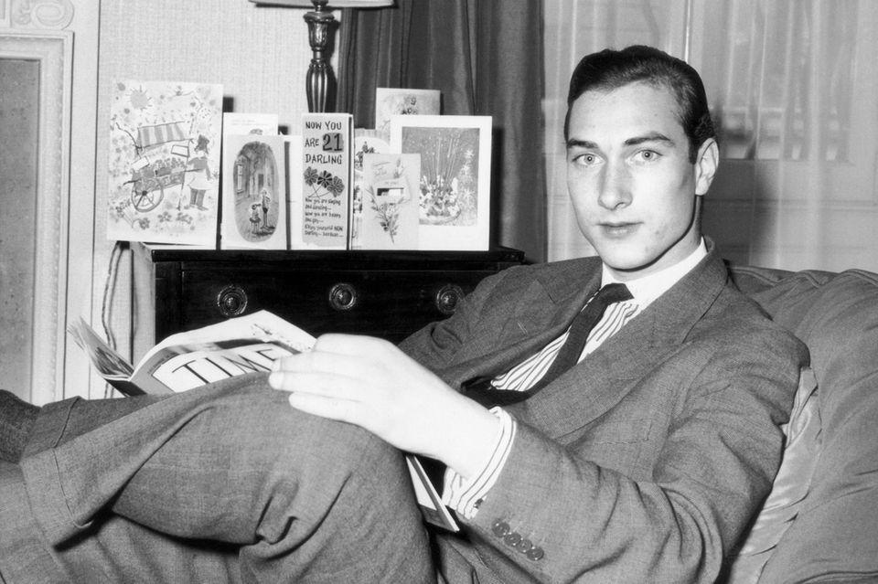 Prinz William von Gloucester lässt sich an seinem 21. Geburtstag in seinem Zuhause, dem York House, fotografieren.
