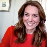 "Kate trägt am ""VE-Day"" ein rotes Kleid"