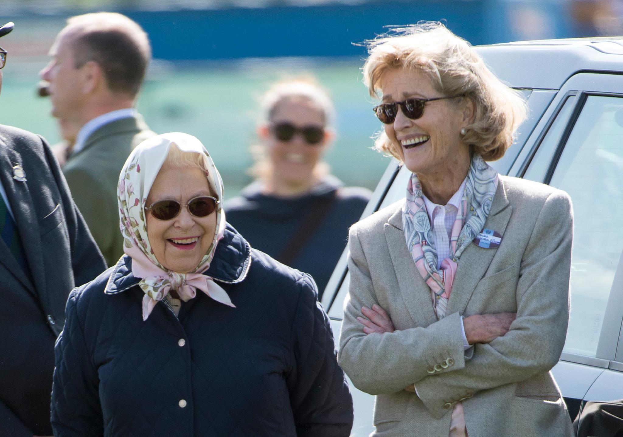 Diese beiden verstehen sich blendend: Queen Elizabeth undPenelope Knatchbull, Gräfin Mountbatten von Burma, bei der Royal Windsor Horse Show im Mai 2018.