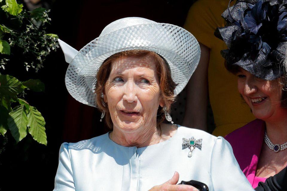 Lady Celia Vestey ist so eng mit der Königsfamilie verbandelt, dass Prinz Harry sie zur Hochzeit mit Meghan Markle einlud. Das Bild zeigt Lady Celia nach der Trauung in derSt George's Chapel