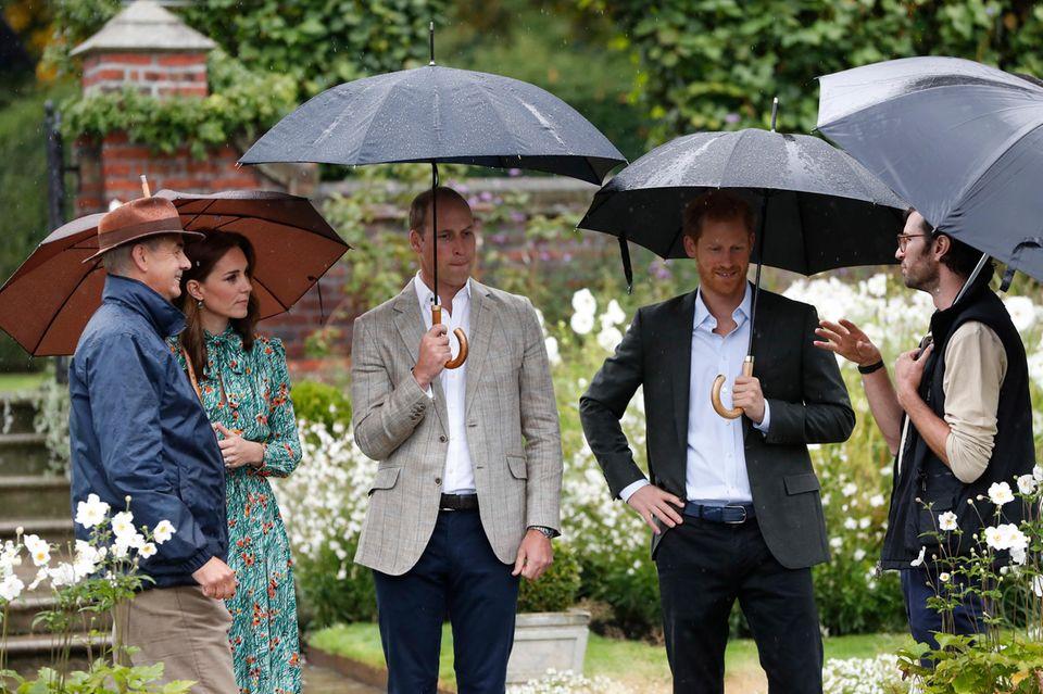 Herzogin Catherine, Prinz William und Prinz Harry besuchen am 30. August 2017 den White Garden imKensington Palast.
