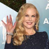 """Kaum zu glauben, aber auch Hollywood-Schönheit Nicole Kidman hat ihrer Meinung nach einen Makel:ihre Nägel. Gegenüber """"Allure"""" sagte sie einst: """"Meine Nägel sind wahrscheinlich das Schlimmste an mir - sie brechen immer ab"""". Die """"Big Little Lies""""-Darstellerinnehme jedoch Vitamine, ein """"erstaunliches Haut-, Haar- und Nagelvitamin von 'Swisse Wellness'"""", die ihre Nägel sehr gestärkt haben sollen. Kidmans """"Wundermittel""""bestehtvordergründigaus Vitamin C und Biotin."""