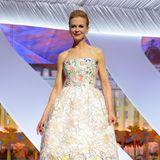 Nicole Kidman bezaubert 2013die Zuschauer in Cannes mit diesem verspielten Dior-Dress.