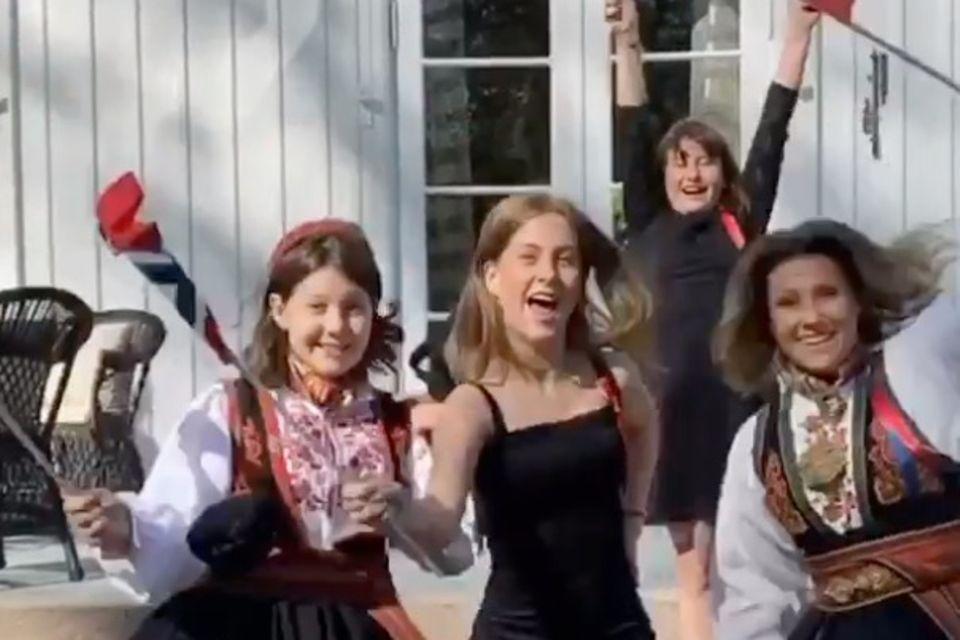 Prinzessin Märtha Louise und ihre Töchter Maud Angelica,Leah Isadora und Emma Tallulah