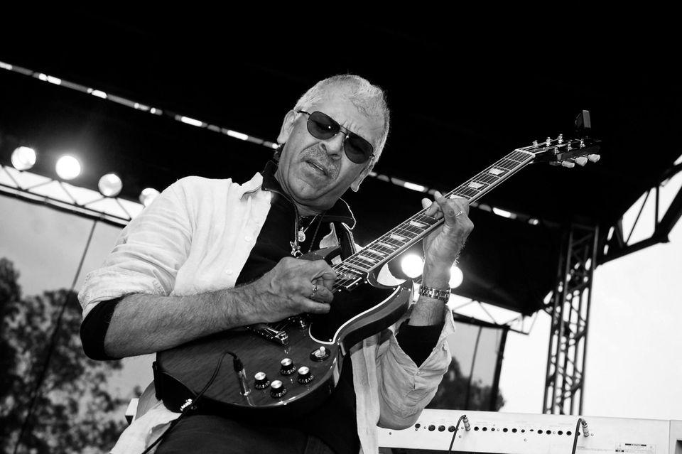 Der Gitarrist Jorge Santana ist im Alter von 68 Jahren verstorben.