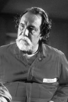 """9. Mai 2020: Geno Silva (72 Jahre)  Trauer um Geno Silva. Bekannt wurde der US-Schauspieler durch seine Rolle als """"The Scull"""" im Gangster-Film """"Scarface"""". Jetzt starb er in Los Angeles an Komplikationen infolge seiner Demenzerkrankung."""