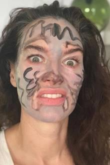 """Rooarr... """"Game of Thrones""""-Star Lena Headey hat in der Quarantäne ihre innere Wölfin entdeckt."""