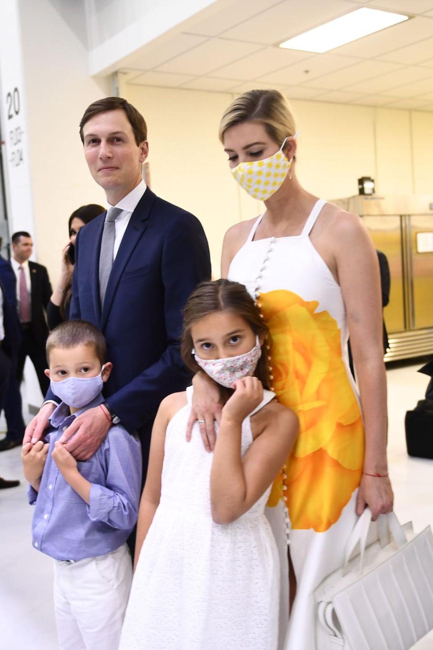 Ivanka Trump mit stylischem Mundschutz
