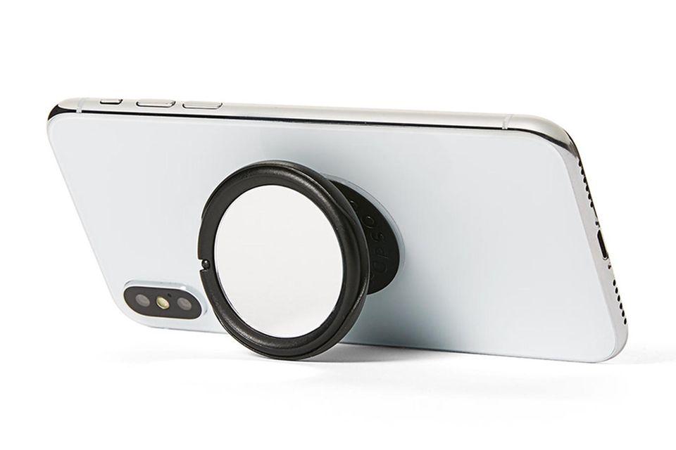 Das eigene Selfieoptimieren? Redakteurin Ilkatestet die Vorzüge desneuen PopGrip Mirrors.