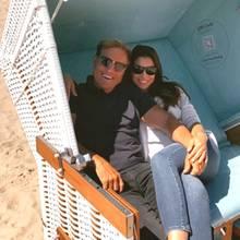 30. Mai 2020  Statt auf Malle genießen Dieter Bohlen und seine Carina das schöne Wetter nun auf Sylt. Glücklich und zufrieden sendet das Paar kuschelige Grüße aus dem Strandkorb.
