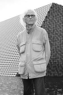 """31. Mai 2020: Christo (84 Jahre)  Trauer in der Kunstwelt: Zusammen mit seiner schon 2009 verstorbenen Frau Jeanne-Claude schuf der """"Verpackungskünstler"""" Christo spektakuläre Großprojekte, wie z.B. die Verhüllung der Berliner Reichstags 1995. Er verstarb nun in seinem Haus in New York."""