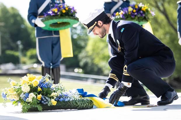 Prinz Carl Philip bei der Kranzniederlegungim Rahmen der Feierlichkeiten zum Veteranentag 2020in Stockholm.