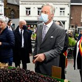 10. Juni 2020  Nach den Lockerungen in der Coronakrise besucht König Philippe einen Wochenmarkt in der Innenstadt von Wavre, um sich über die Auswirkungen der Krise auf die Verkäufer und die Umgebung zu informieren. Bei diesen leckeren Kirschen würde er gern zugreifen.