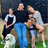 12. Juni 2020  Familienzuwachs im Hause Lopez-Rodriguez! Max hat einen Goldendoodle-Welpen geschenkt bekommen, und der braucht jetzt nur noch einen Namen. Zur Auswahl stehen Tyson und Yankee Doodle.