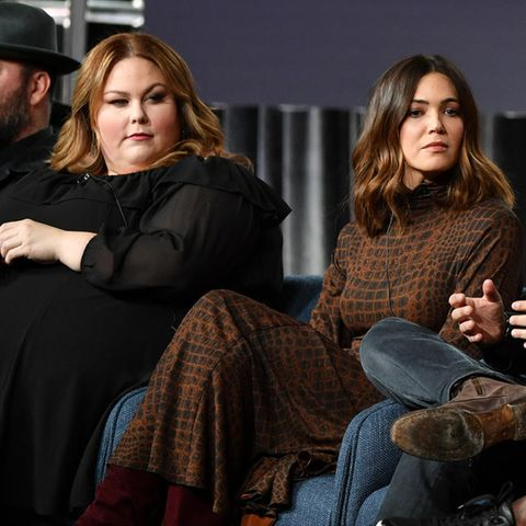 """This Is Us""-Darsteller Chrissy Metz, Mandy Moore, Drehbuchautor Dan Fogelman, Sterling K. Brown und Susan Kelechi"