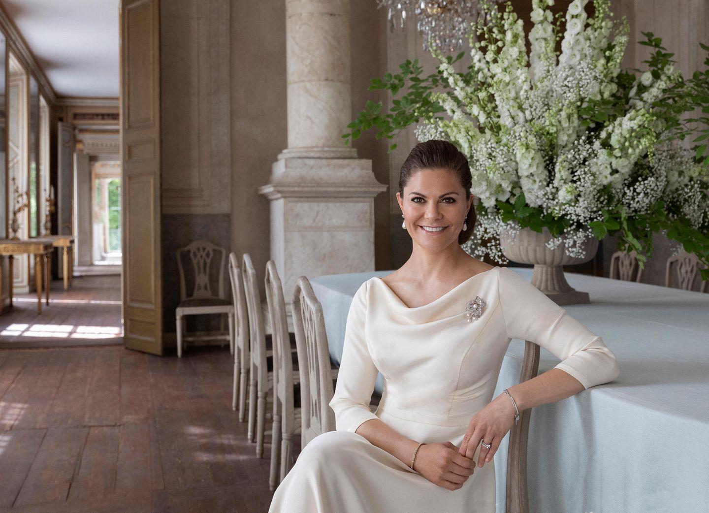 15. Juni 2020  Prinzessin Victoria ganz in Weiß.