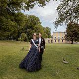 15. Juni 2020  Victoria und Daniel heirateten am19. Juni 2010 in der Stockholmer Nikolaikirche. Zehn Jahrespäter posieren die beiden im Garten des Pavillons von Gustav III in Haga.