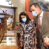 15. Juni 2020  Königin Letizia und König Felipe besuchen das Nationalmuseum für Naturwissenschaften in Madrid. Interessiert lassen sie sich die Exponate erklären.