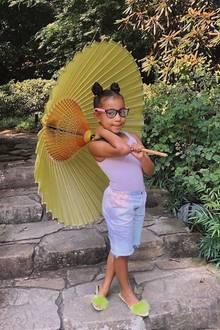 """16. Juni 2020  Kim Kardashians älteste Tochter North West feiert ihren siebten Geburtstag. Zu diesem schönen Anlass postet der Reality-TV-Star eine kleine Bildergalerie ihrer """"Großen"""" auf Instagram und kann dabei selbst nicht fassen, wie schnell die Zeit verfliegt."""