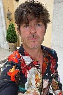 """Mit """"Blurred Lines"""" bescherte uns Robin Thicke 2013 DEN Sommerhit des Jahres. Leider ist sein Erscheinungsbild derzeit auch ganz schön """"unscharf"""". Ein Besuch beim Friseur wird dringend empfohlen!"""