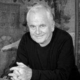 """19. Juni 2020: Ian Holm (88 Jahre)  Die Filmografie des britischen Schauspieler ist lang und schillernd, an seiner Verkörperung des """"Bilbo Beutlin"""" in der """"Herr der Ringe""""-Trilogie wird sich jedoch die ganze Welt erinnern. Ian Holm ist in London an den Folgen seiner Parkinson-Krankheit gestorben."""