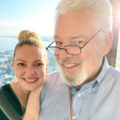 Auch Katherine Heigl bedankt sich am Vatertag bei ihrem PapaPaul mit einem süßen Bild und lieben Worten. Und ebenso ist hierdie Ähnlichkeit unverkennbar.