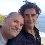 Diese Ähnlichkeit ...! Orlando Bloom schicktseinem Vater Colin Stone bezaubernde Vatertagsgrüße via Instagram. Dass er sein leiblicher Vater ist, erfuhr der Hollywood-Star übrigens erst im Alter von 13 Jahren, was der liebevollen Beziehung keinen Abbruch tat.