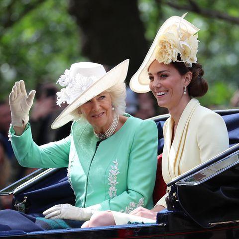 Herzogin Camilla und Herzogin Catherine - das perfekte Royal-Duo.
